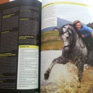 Janna, Ganzheitliche Pferdetrainerin in dem HQ Magazine